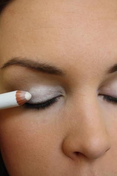 Sebagai Eyeshadow dan Eyeshadow Primer