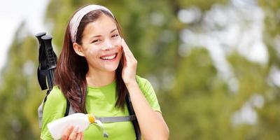 Nah Moms, Ini 4 Tips Praktis Merawat Kulit Sebelum dan Setelah Berolahraga di Outdoor