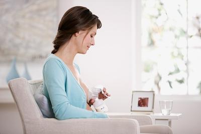 Payudara Bengkak Saat Menyusui? Berikut Ini Cara Mengatasinya Moms!