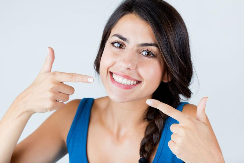 Tanpa Perlu Ke Dokter Moms Bisa Menghilangkan Plak Gigi Secara
