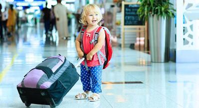 Agar Tak Mudah Iritasi, Selalu Bawa 2 Benda Ini Untuk Lindungi Kulit si Kecil Saat Traveling
