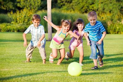 Ide Kegiatan Outdoor Anak yang Seru dan Mengalihkan dari Gadget