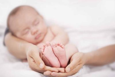 Moms, Begini Panduan Merawat Bayi dengan Berat Lahir Rendah dengan Tepat