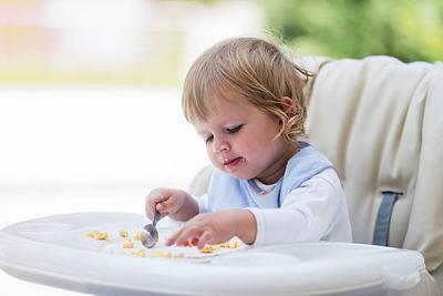 Perhatikan, Moms! Ini Daftar Makanan yang Dilarang untuk MPASI Pertama Bayi