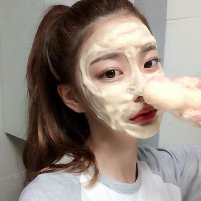 Inilah 5 Tips Bersihkan Wajah di Malam Hari yang Praktis dan Anti Ribet!
