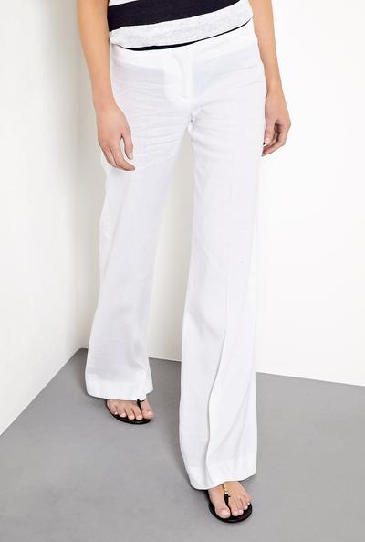 PIlih Celana dengan Bahan Linen