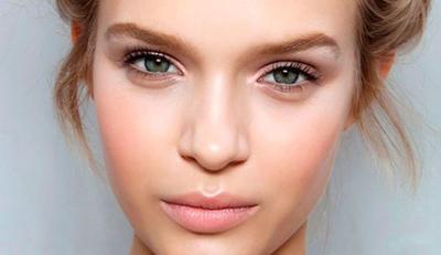 Tak Suka Makeup Berlebih? Ini Tips Mudah untuk Dapatkan No Makeup Look