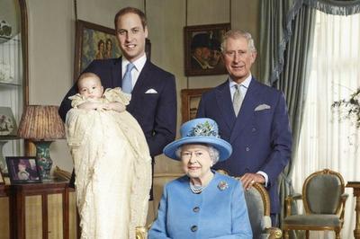 Ratu Inggris adalah Orang yang Pertama Kali tahu