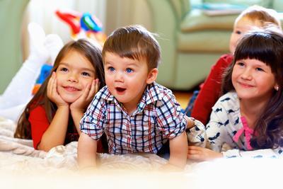 5 Rekomendasi Film Keluarga yang Cocok Ditonton Bersama Anak di Rumah