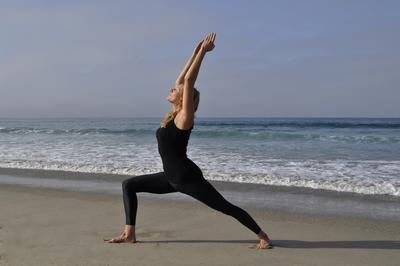 Yuk, Atasi Sakit Pundak dan Leher dengan Pose-pose Yoga Ini