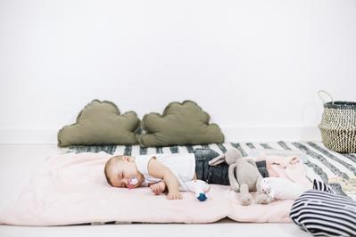 Moms, Wajib Tahu! Ini Tips Jitu Menidurkan Bayi Tanpa Menyusu