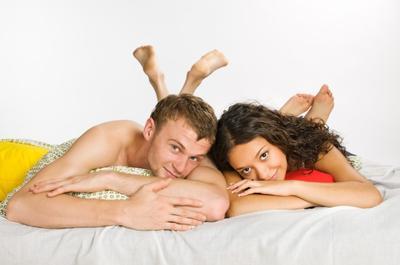 Coba Posisi Seks Ini Jika Ingin Cepat Hamil, Moms dan Dads!