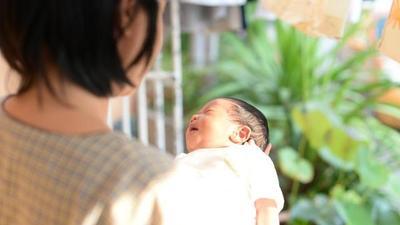 Moms, Ketahui Manfaat Menjemur Bayi di Pagi Hari yang Tidak Boleh Kamu Lewatkan