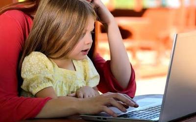 Wajib Tahu Moms! Berikut Pilihan Tontonan Seru dan Mendidik untuk Anak!
