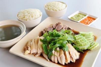 Resep Masakan: Resep Praktis Nasi Ayam Hainan, Coba Bikin Yuk!