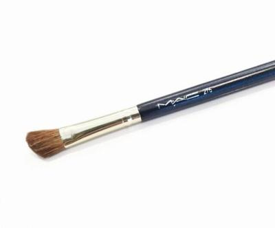 Medium Angled Shadow Brush