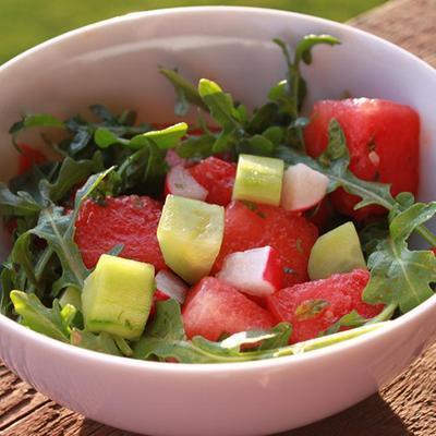 Hydrating Watermelon Salad (untuk 8 porsi)