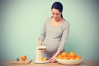 1. Mengonsumsi Nutrisi untuk Menguatkan Kantong Ketuban