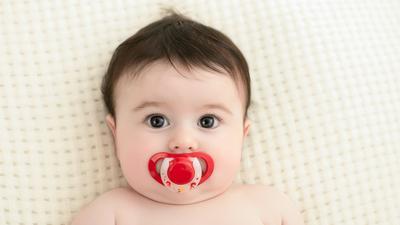Moms Harus Tahu, Ini Dampak Positif dan Negatif Bayi Ngempeng