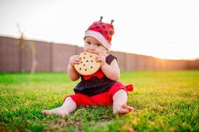 Selain Madu, Ini Makanan yang Dilarang Diberikan Pada Bayi 0-1 Tahun