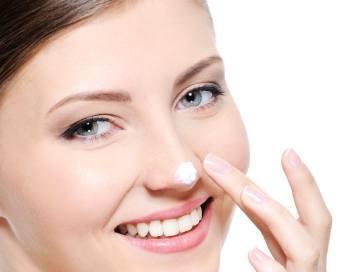 St. Ives Apricot Fresh Skin Scrub, Produk yang Mampu Mengangkat Kulit Mati dengan Sempurna