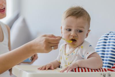 Hm, Seperti Apa Sih Kriteria MPASI yang Baik Buat Bayi?