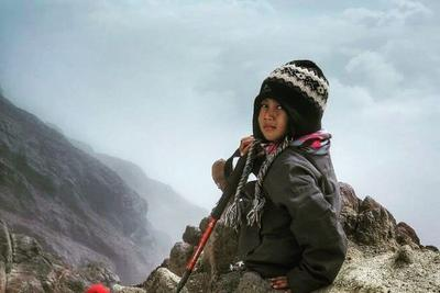 Mendaki Gunung Sejak Berusia 4 Tahun!