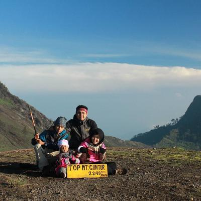 Mendaki 10 Gunung di Jawa dan Luar Jawa