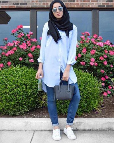 2. Tunik dengan jeans