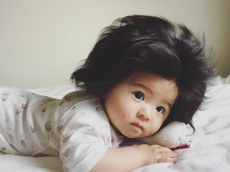 Super Cute Foto Bayi Lucu Berambut Tebal Ini Viral Dan Sangat
