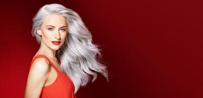 8 Bahan Alami Ini Ampuh Merawat Rambut yang Diwarnai Lho!