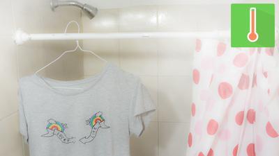 Gantung Baju di Dalam Kamar Mandi Saat Mandi