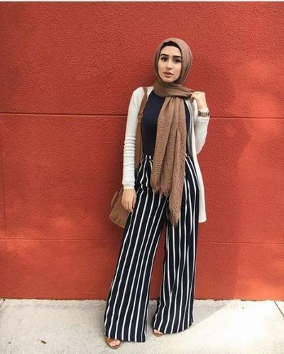 Beda Banget! Ini Dia Inspirasi Striped Pants untuk Hijabers, Harus Coba