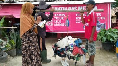 Kantin Gas Methan: Membayar dengan Sampah Plastik
