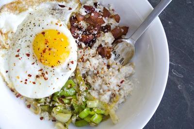 Oatmeal Telur & Sosis