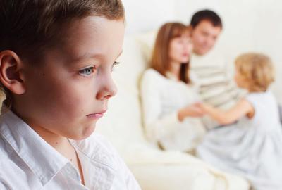 Hindari Membanding-bandingkan Anak, Ini Dampak Negatif yang Bisa Terjadi
