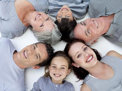 Ini Suka Duka Tinggal Bareng Mertua, Apa Moms Juga Merasakannya?