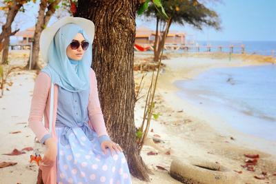 Wah, Ini Dia Tips Menggunakan Busana Hijab untuk ke Pantai!
