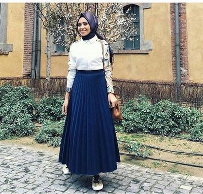 White Shirt with Detail and Pleated Skirt