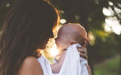 Galau dengan Berat Badan Bayi ASI Ideal? Lihat Tabelnya di Sini, Moms