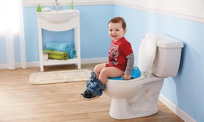 Aduh, Bayiku Kok BAB Warna Hitam? Jangan Panik Dulu, Ini Penyebab dan Cara Mengatasinya!