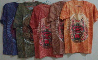 Memilih Baju Bali Anak