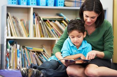 Bantu Anak Belajar Membaca dan Menulis dengan Cepat, Ini Tipsnya Moms!