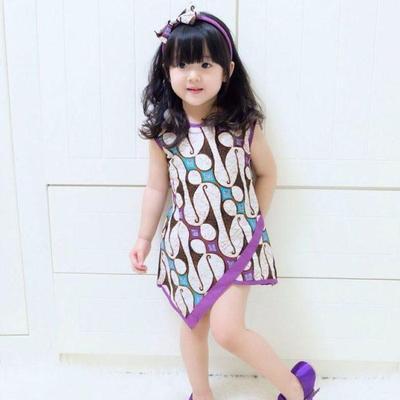 1. Baju Batik Anak Perempuan