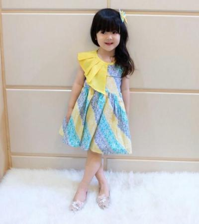 4. Baju Batik Anak Perempuan Lucu