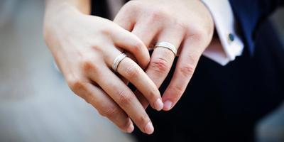 Sebelum Mempersiapkan Cincin untuk Hari Istimewa, Simak Dulu Panduan Memilih Cincin Emas Berikut Ini!