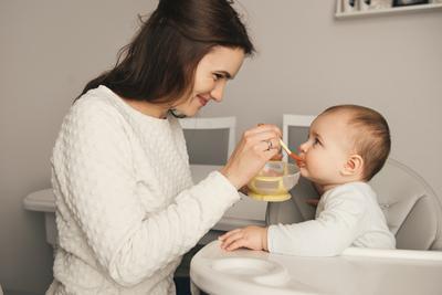 Si Kecil Dijamin Pasti Suka Moms! Ini Resep MPASI Bayi 6-8 Bulan yang Mudah & Bergizi