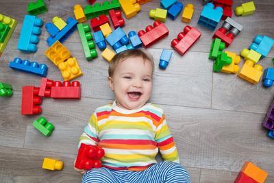 Sedang dalam Masa Tumbuh Kembang, Berikan Mainan Anak Laki-Laki yang Sesuai untuk Mendukungnya
