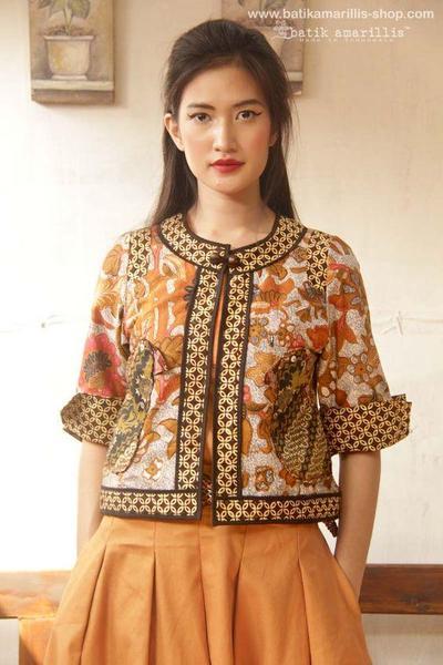 2. Model Baju Batik Blazer