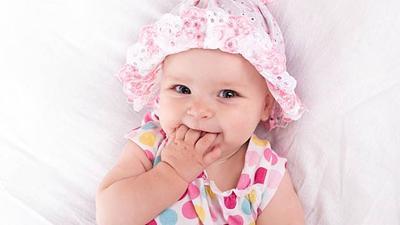 Bayi Perempuanmu Baru Lahir? Ketahui 10 Fakta Unik Bayi Perempuan Baru Lahir Ini!
